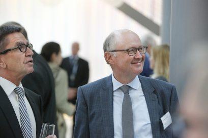 Dr. Rainer Hank, Mitglied der Jury des Ludwig-Erhard-Preises für Wirtschaftspublizistik, und Dr. Manfred Schäfers, Wirtschaftsredakteur bei der FAZ