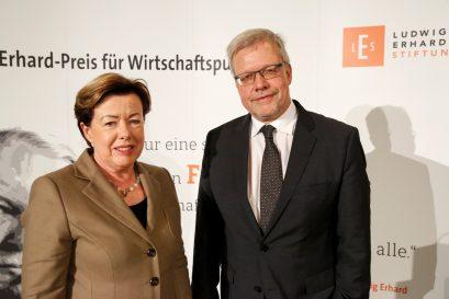 Preisträgerin Prof. Dr. Renate Köcher und Preisträger Dr. Marc Beise