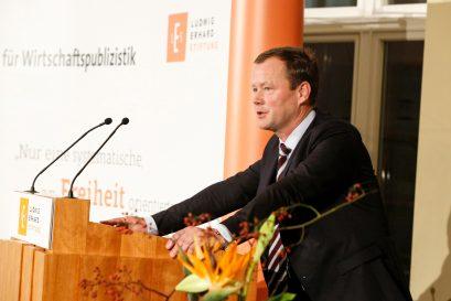 Ulric Papendick, Mitglied der Jury des Ludwig-Erhard-Preises für Wirtschaftspublizistik