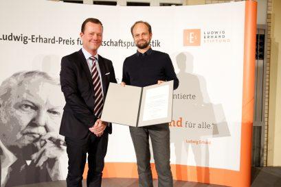 Übergabe des Förderpreises an Jan Grossarth