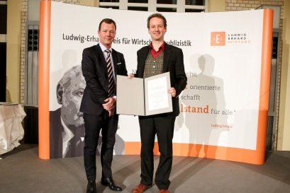 Übergabe des Förderpreises an Prof. Dr. David Stadelmann