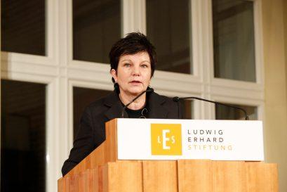 Dr. Ursula Weidenfeld, Vorsitzende der Jury des Ludwig-Erhard-Preises für Wirtschaftspublizistik