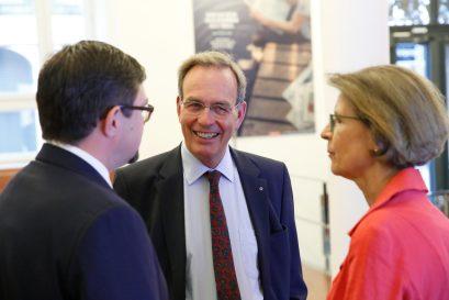 Lars Vogel, Geschäftsführer der Ludwig-Erhard-Stiftung, mit Prof. Dr. Ulrich Blum, stellvertretender Vorsitzender der Stiftung, und Frau Blum