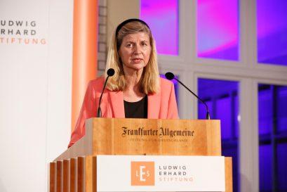 Laudatorin Dr. Dorothea Siems, Mitglied der Jury des Ludwig-Erhard-Preises für Wirtschaftspublizistik