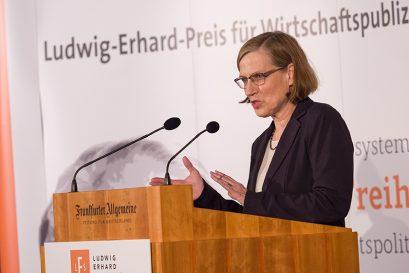 Laudatorin Heike Göbel, Mitglied der Jury des Ludwig-Erhard-Preises für Wirtschaftspublizistik