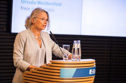 Prof. Dr. Patricia Commun