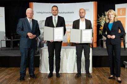 Roland Koch, Förderpreisträger 2020 Martin Braml und Hans Rusinek, Linda Teuteberg
