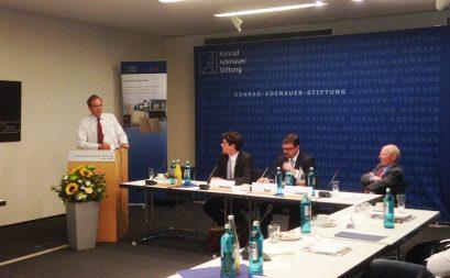Prof. Dr. Ulrich Blum, stellvertretender Vorsitzender der Ludwig-Erhard-Stiftung, bei seinem Schlusswort