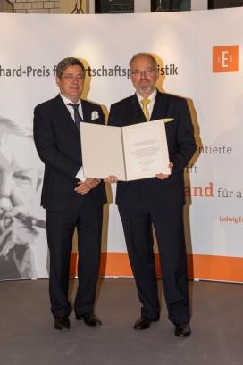 Roland Tichy und Preisträger Claus Döring