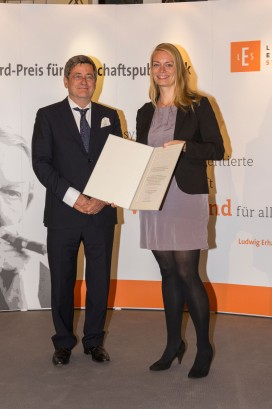Roland Tichy und Förderpreisträgerin Kathrin Werner