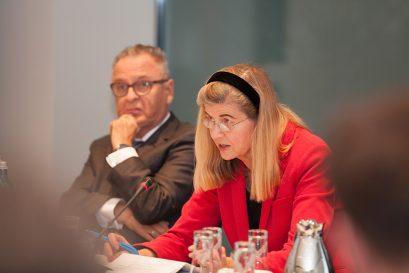 Moderatorin Dr. Dorothea Siems, Prof. Dr. Hans-Jürgen Papier