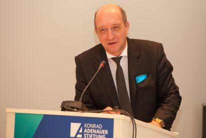 Prof. Dr. Richard Reichel, FOM Hochschule, Essen, und Forschungsinstitut für Genossenschaftswesen an der Universität Erlangen-Nürnberg