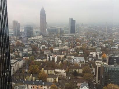 Trübe Aussichten - auch für Europa? Blick aus dem 33. Stock des Gebäudes der Deutschen Bank.