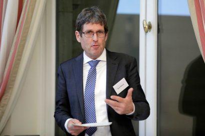 René Höltschi, Wirtschaftskorrespondent der Neuen Zürcher Zeitung