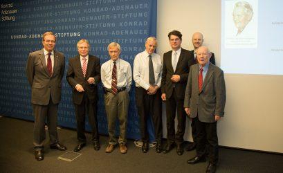 Die Referenten Ulrich Blum, Hanns Jürgen Küsters, Alfred Mierzejewski, Volker Berghahn, Hans Jörg Hennecke, Arnd Küppers und Alfred Schüller