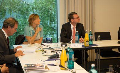Prof. Dr. Ulrich Blum, Natalie Furjan (Ludwig-Erhard-Stiftung), Prof. Dr. Roland Wöller, Staatsminister a.D.