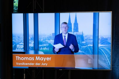 Thomas Mayer, Vorsitzender der Jury des Ludwig-Erhard-Preises für Wirtschaftspublizistik, in seiner Video-Botschaft.