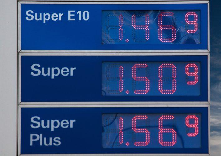 Steigende Steuern bei sinkenden Ölpreisen? – Neue Preislenkung